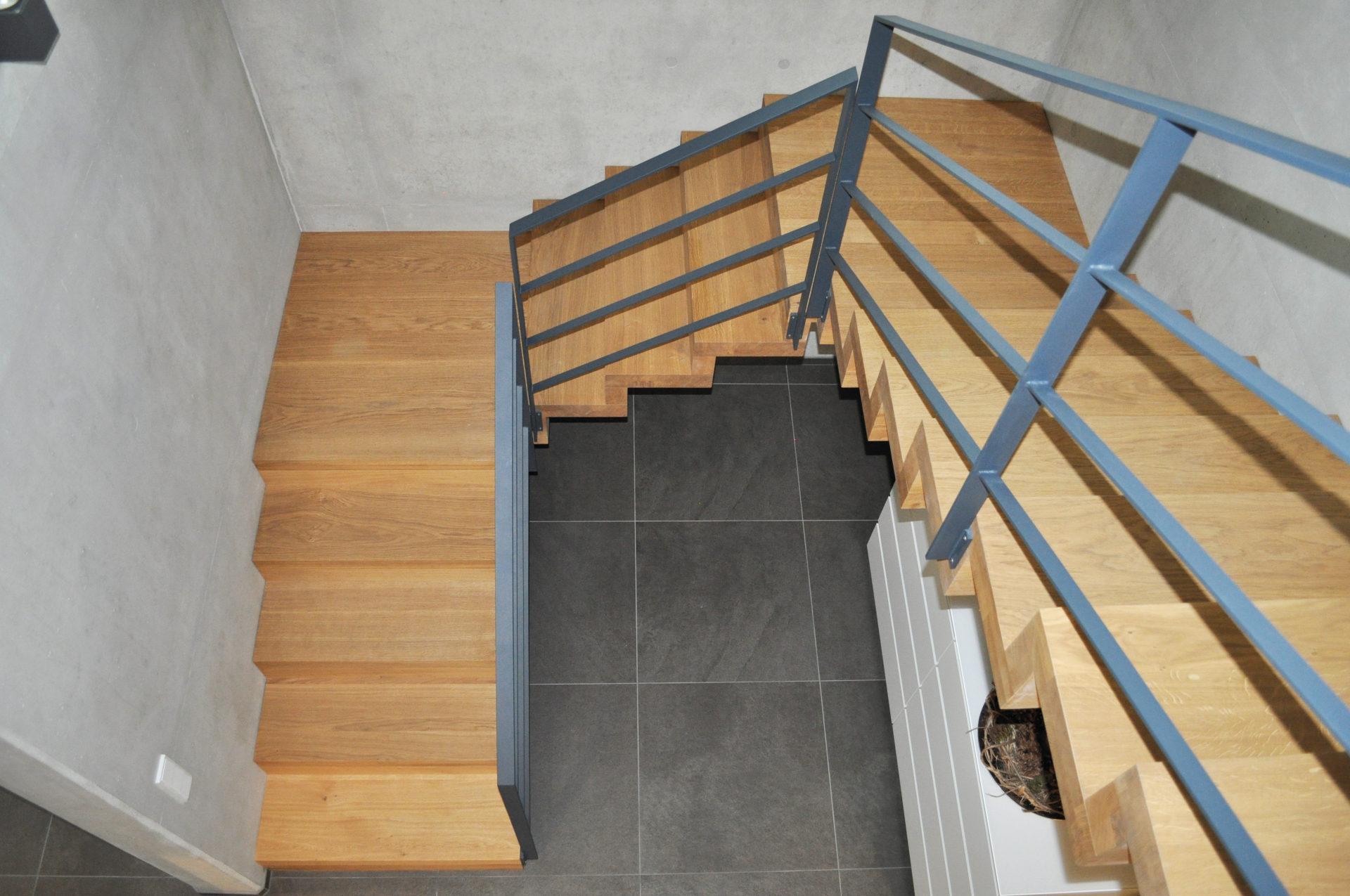 podesttreppen treppenbau leisen treppen seit 1992. Black Bedroom Furniture Sets. Home Design Ideas