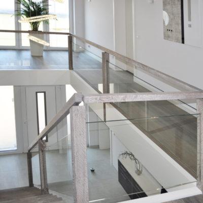 Treppen Treppengelaender Wedeltreppe Holztreppe