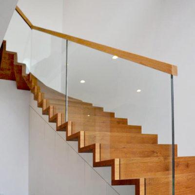 Treppengelaender Treppenhandlauf Holz Glas 0307
